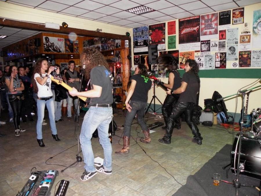 anguish force midnight pub vercelli 2011 20111129 1392378381 - Midnight Live - Vercelli - live-