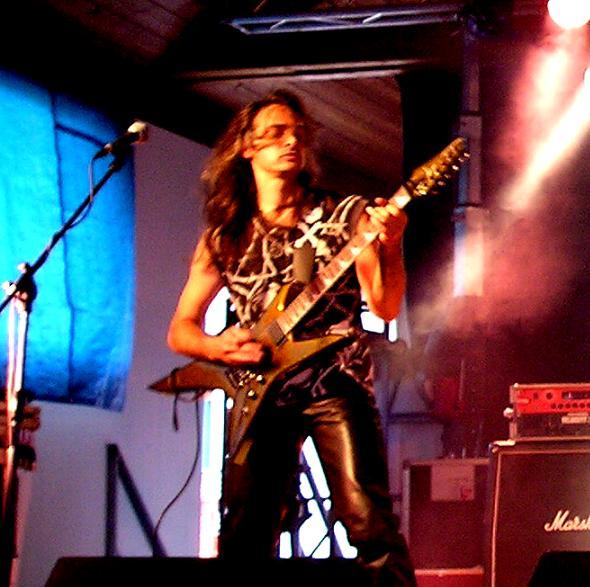 lgd 20110321 1641429421 - LGD - guitar - -