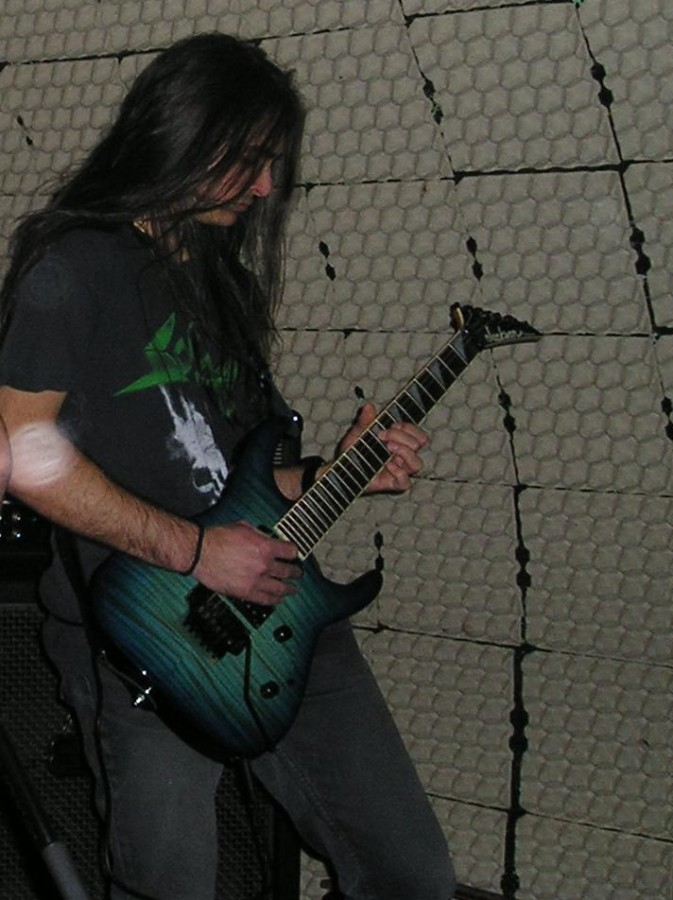 live 20110307 1273316289 - LGD - guitar - -