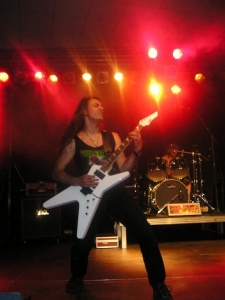 live 20110307 1315447555 960x300 - LGD - guitar - -