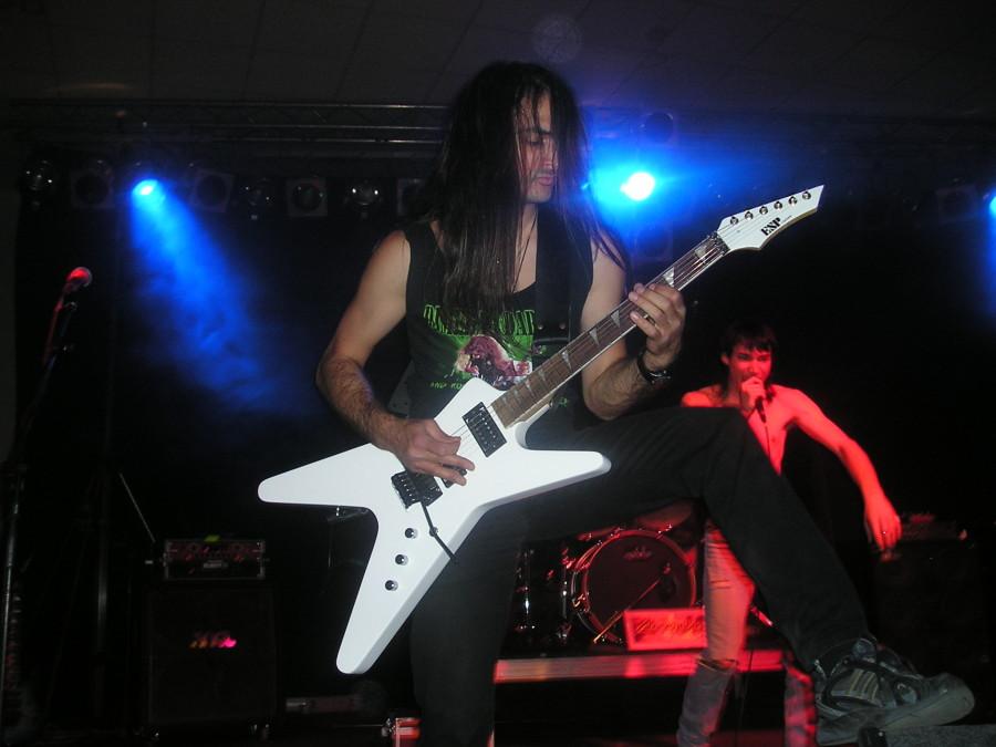 live 20110307 1499676181 - LGD - guitar - -