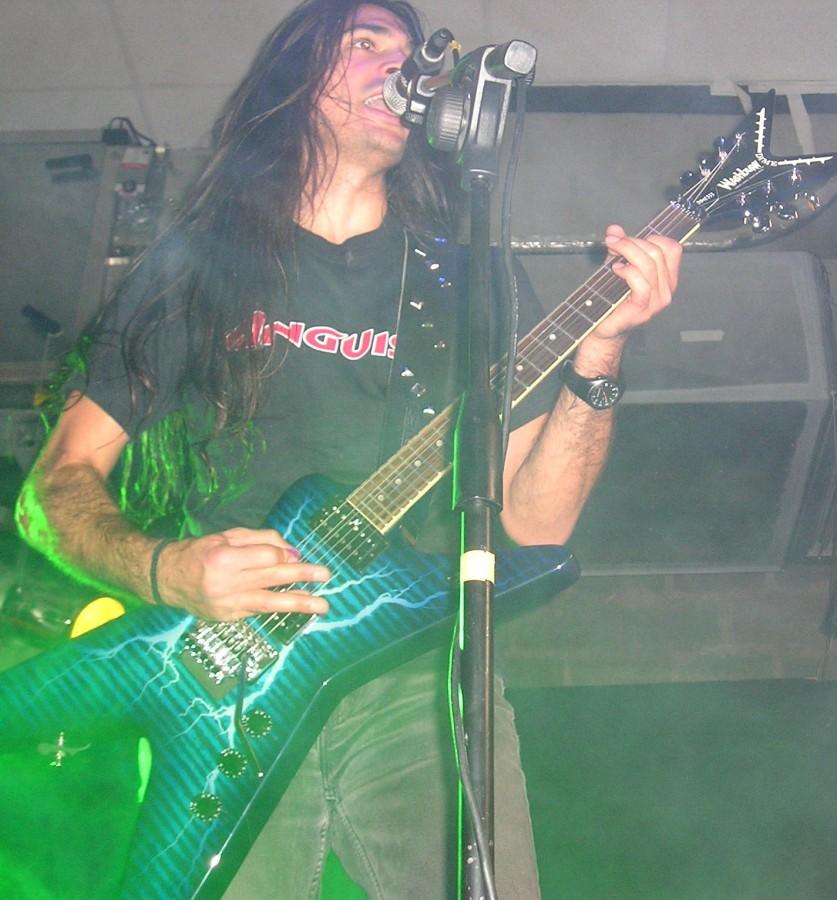 live 20110307 1614014455 - LGD - guitar - -