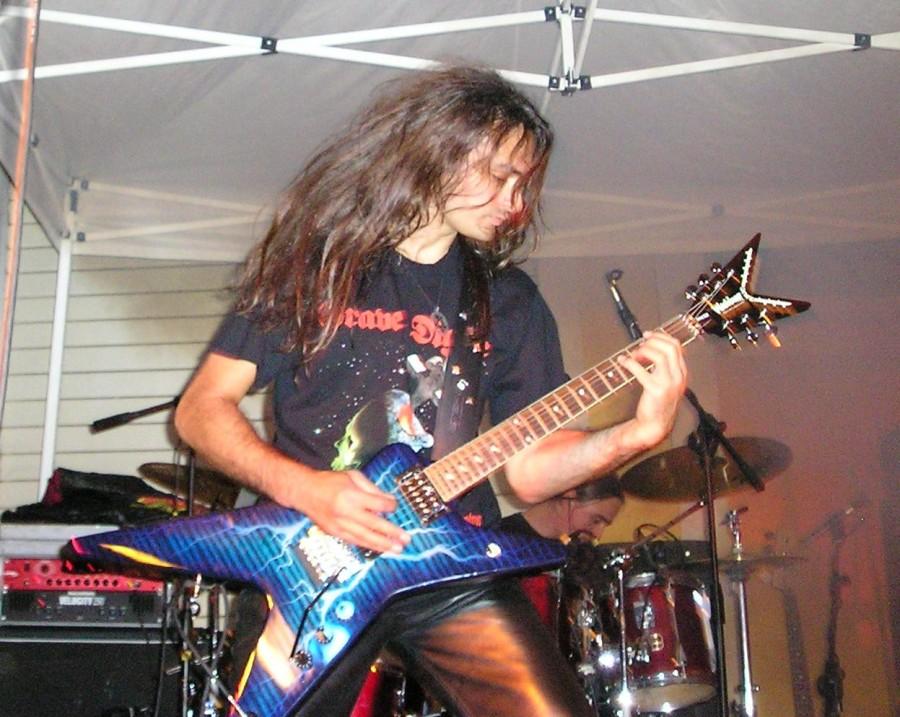 live 20110307 1787137331 - LGD - guitar - -