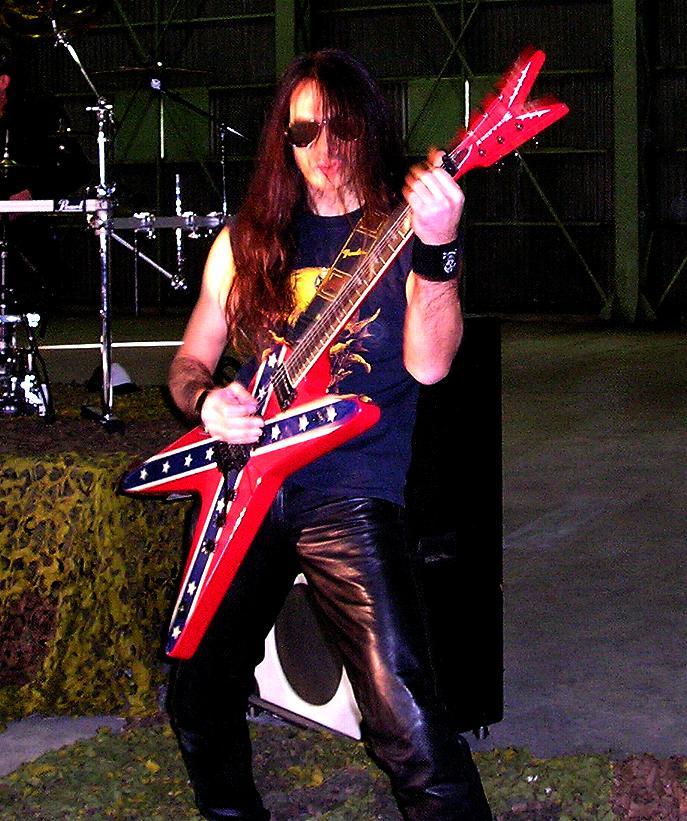 live 20110308 1902607667 - LGD - guitar - -
