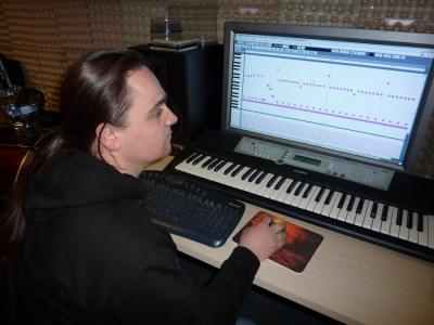 studio_20110315_1784364033