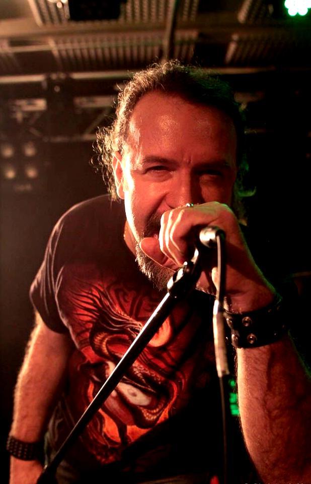 Kinnall Anguish Force Livestage 53 - KINNALL - vocals - band